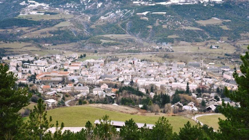 Hautes Alpes : duel entre une maire et son ex-adjoint à Embrun