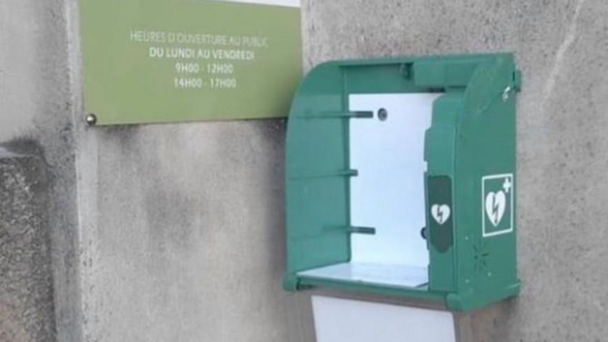 Sisteron : acte de vandalisme sur un défibrillateur.