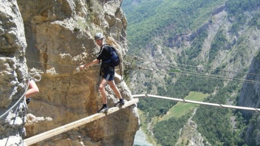 Alpes de Haute-Provence : Ouverture non-stop de la Via Ferrata de la Grande Fistoire et la Ferrata Familia des Ammonites.