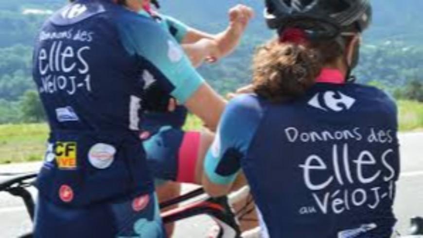 Hautes-Alpes : Les filles de « Donnons des Ailes au vélo » à Orcières le 1er août, à l'arrivée de l'étape « Sisteron-Orcières ».
