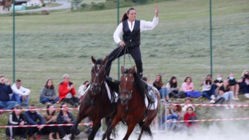 Hautes-Alpes : La cavalerie de l'Izoard en spectacle.