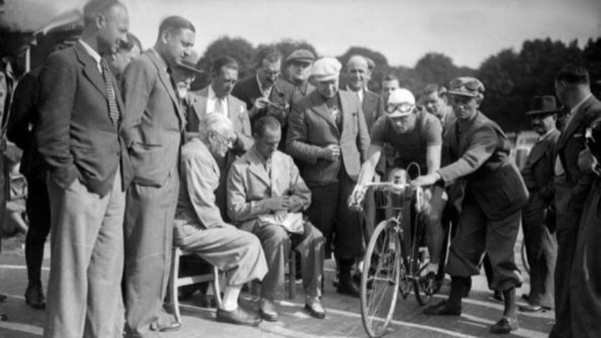 1940 : Tour d'absence (4/10)