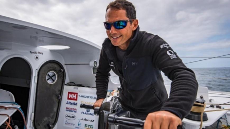 Hautes Alpes : Romain Attanasio partage toute la nuit l'océan avec une concurrente