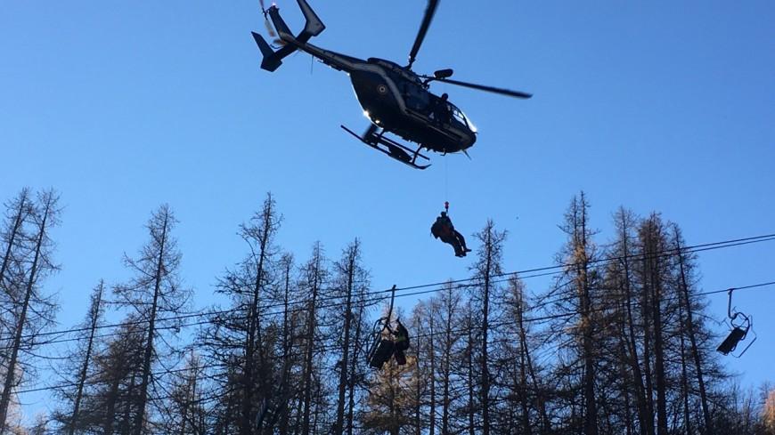 Hautes Alpes : évacuation d'un télésiège, la station de Pelvoux-Vallouise se prépare à la saison d'hiver