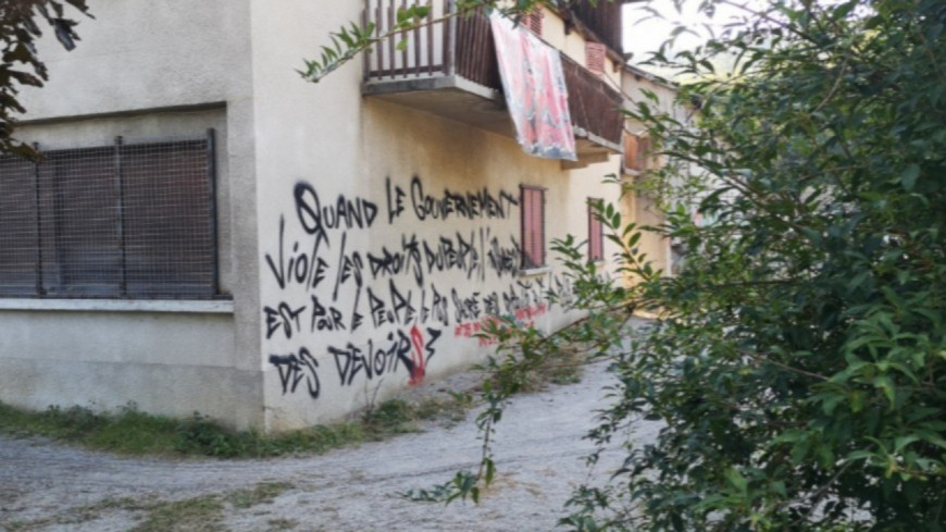 Hautes-Alpes : les exilés du squat Chez Roger comptent bel et bien fêter Noël