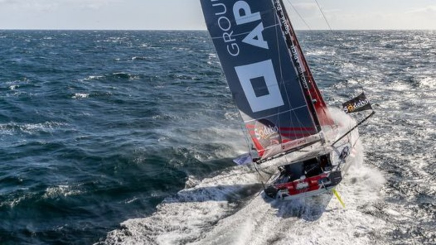 Armel Tripon malmené à l'approche du Cap Horn — Vendée Globe