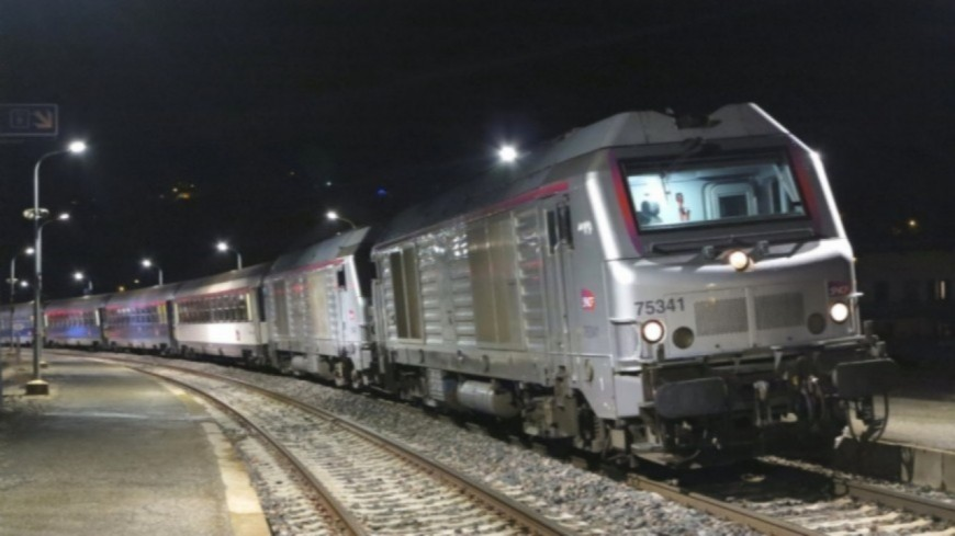 Hautes-Alpes : les gares du train de nuit Paris-Briançon restent ouvertes