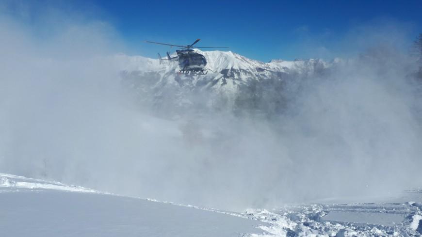 Alpes de Haute-Provence : un skieur de 72 ans emporté par une avalanche