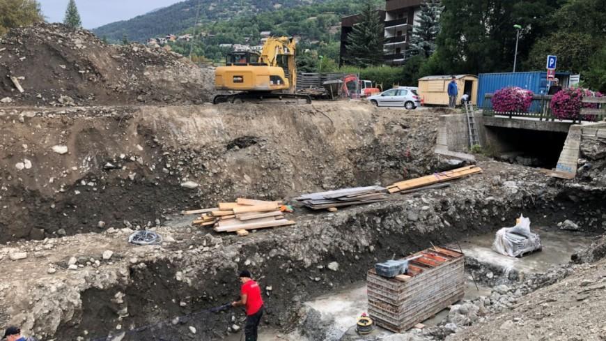 Hautes-Alpes : des travaux de reconstruction sur la passerelle du jardin des neiges à Saint-Chaffrey