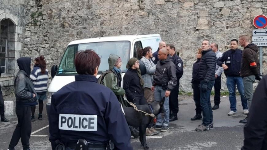 Hautes-Alpes : les squatteurs du Pavillon du Gouverneur à Briançon condamnés à partir