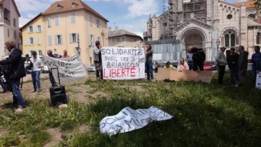 Hautes-Alpes : le délit de solidarité existe-t-il ?