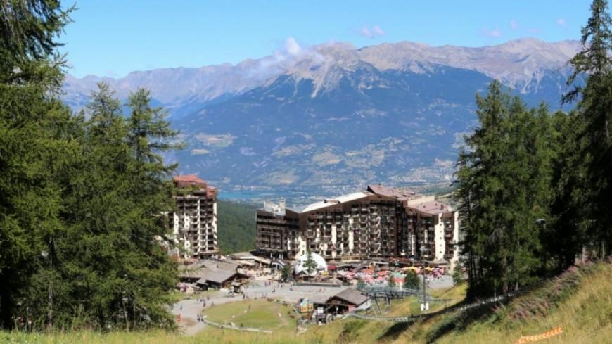 Hautes-Alpes : la station des Orres à l'honneur pour... ses murs