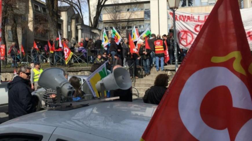 Alpes de Haute-Provence : les élus communistes et républicains de l'Adecr04 appellent à manifester à Manosque