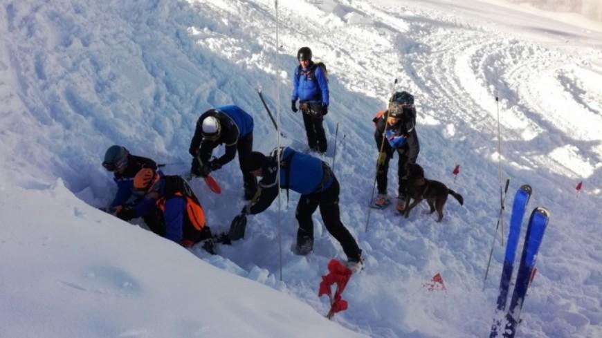 Hautes-Alpes : pour prévenir les accidents en montagne, le PGHM et la CRS mobilisés au pied des pistes