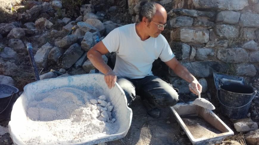 Hautes-Alpes : résidence d'artisans sur le site d'Arzeliers, « on est dans un autre espace-temps »