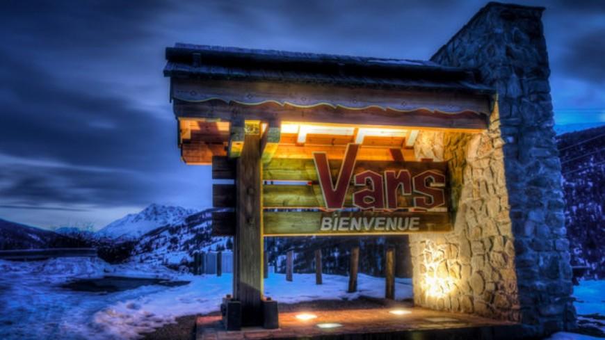 Hautes-Alpes : une télécabine en panne à Vars