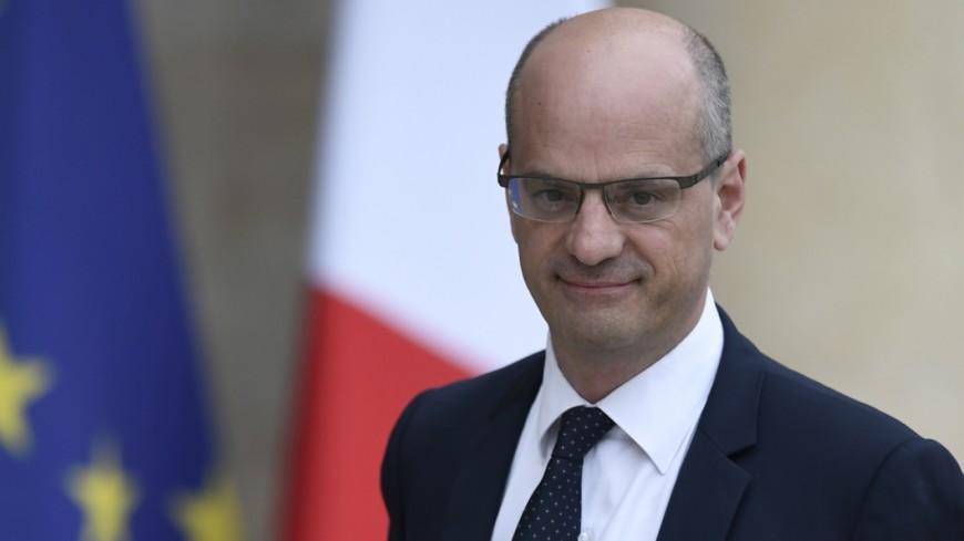 Hautes-Alpes : l'association École & Territoire interpelle Jean-Michel Blanquer au sujet des petites écoles