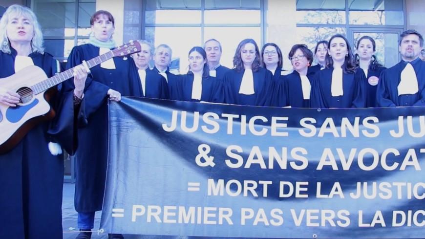 Hautes-Alpes : quand les avocats s'opposent à la réforme... en chanson