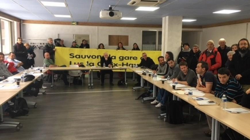 Hautes-Alpes : le collectif de l'étoile ferroviaire de Veynes fait irruption lors d'une réunion SNCF