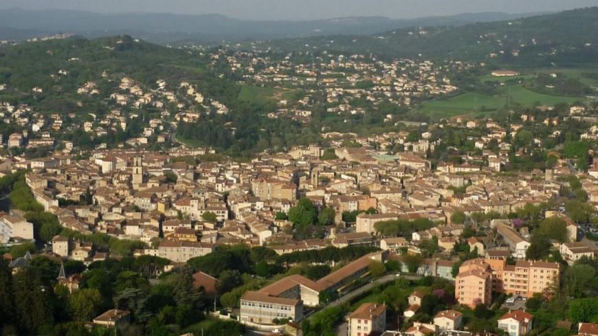 Alpes de Haute-Provence : le centre-ville de Manosque se meurt