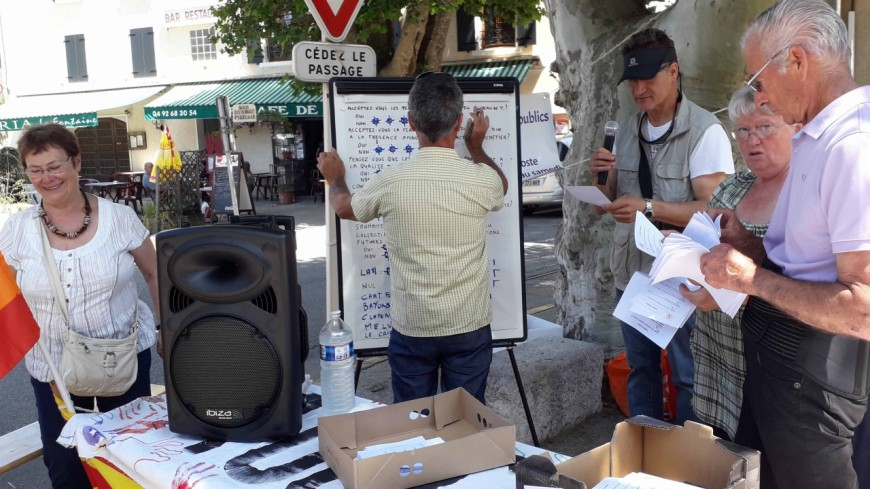 Alpes de Haute-Provence : collectif de défense de la Poste, un sondage « conforte son action »