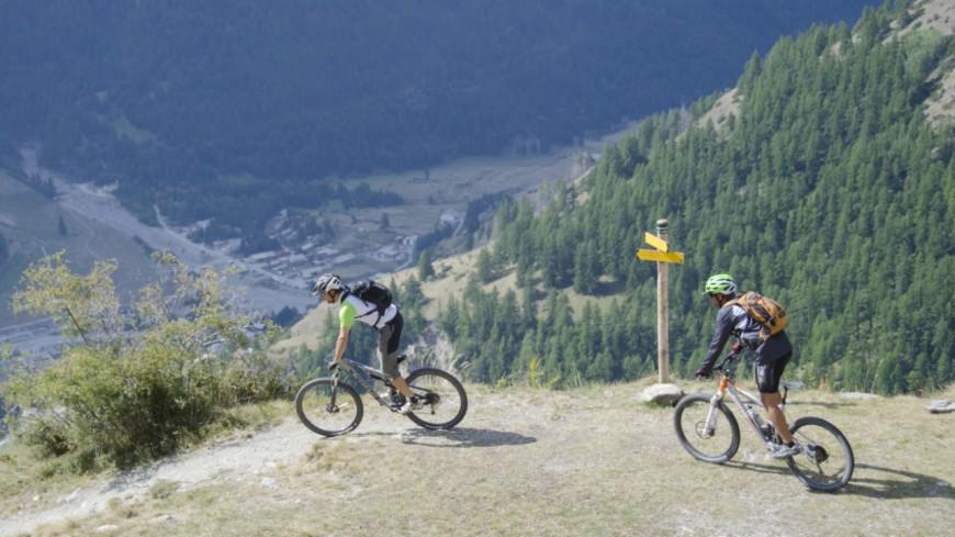 Hautes-Alpes : la 1ère édition de l'EnduroRando VTT à Abriès