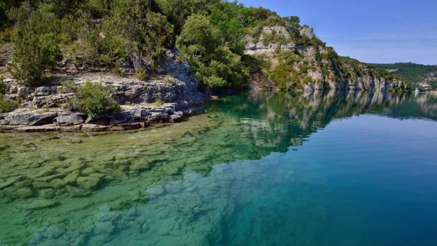 Alpes de Haute-Provence : Esparron, il doit sa survie à un passant et deux pompiers en civil