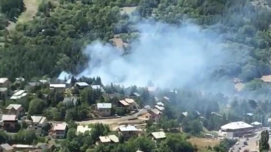 Hautes-Alpes : Briançon, un feu de forêt menace un quartier résidentiel
