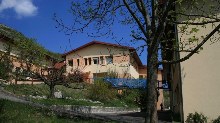 Hautes-Alpes : l'ADSEA déménage ses résidents de Barret-sur-Méouge, le maire monte au créneau