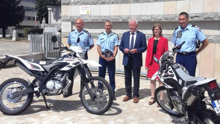 Hautes-Alpes : Gendarmerie, deux motos tout-terrain pour assurer des missions de proximité