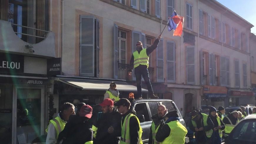 Alpes du Sud : gilets jaunes, face aux annonces d'E.Macron « on n'arrête pas notre mobilisation »