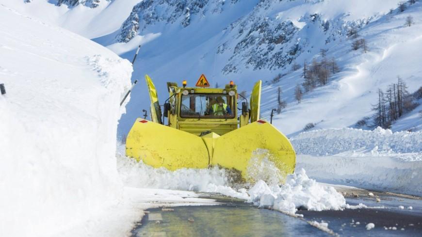 Haute-Alpes : de la neige et des agents… 280 déneigeurs volontaires