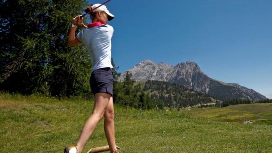 Hautes-Alpes : projets de golfs, niche touristique ou gâchis du foncier agricole ?