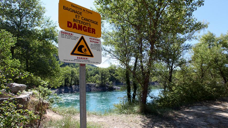 Alpes de Haute-Provence : EDF missionne des hydroguides pour sensibiliser la population