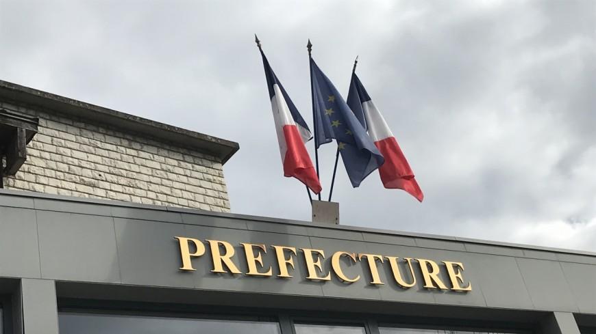 Alpes de Haute-Provence : des enseignants et des parents d'élèves de l'école de la Ponsonne réunis à la préfecture