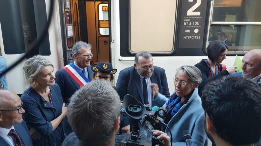 Hautes-Alpes : la ministre des Transport est arrivée par le train de nuit Paris-Briançon