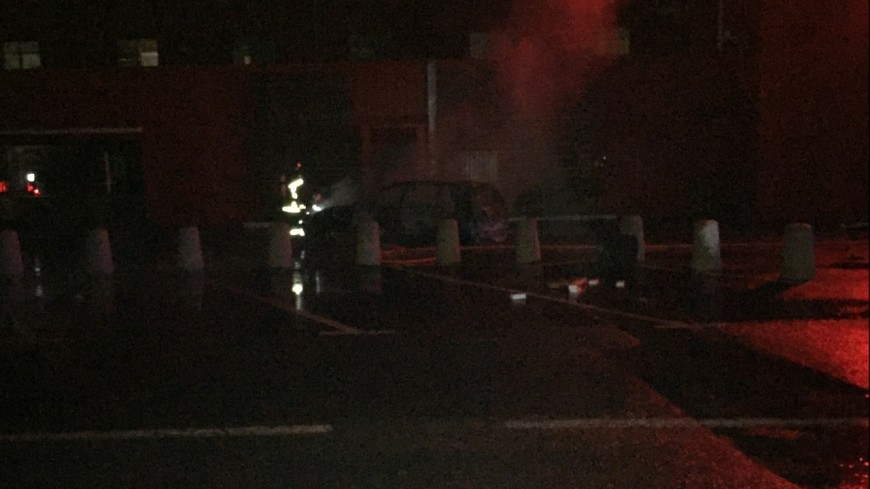 Hautes-Alpes : la voiture incendiée devant Géant Casino a servi de bélier