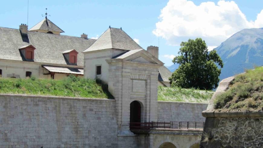 Hautes-Alpes : la place forte de Mont Dauphin dévoile ses secrets