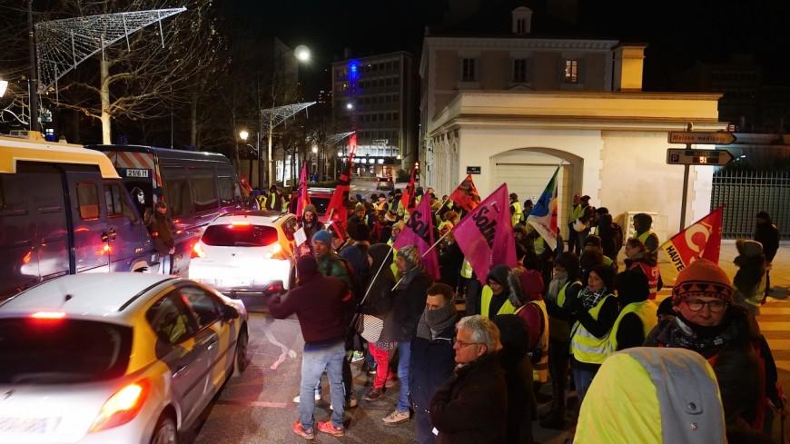 Hautes-Alpes : les gilets jaunes et syndicats aux rendez-vous des ministres