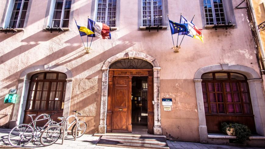 Hautes-Alpes : traditionnelle Foire de Gap de Printemps dans le centre-ville