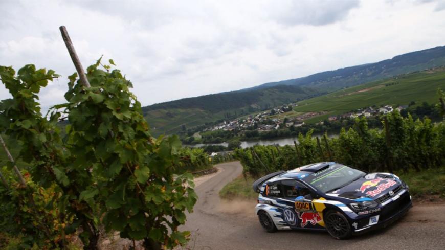Hautes-Alpes : Sébastien Ogier 3e, Andreas Mikkelsen s'accroche en tête