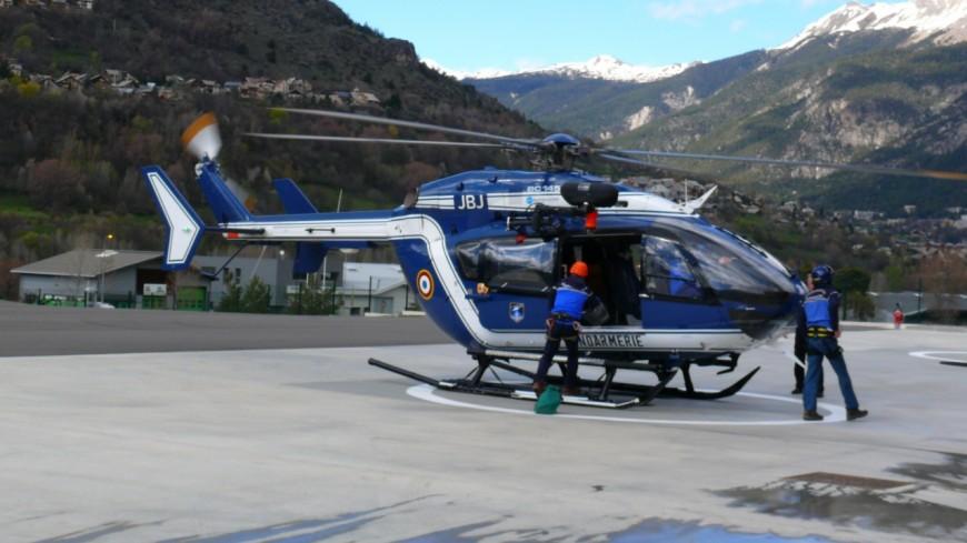 Alpes de Haute-Provence : elle chute sur une route verglacée, l'hélicoptère doit intervenir
