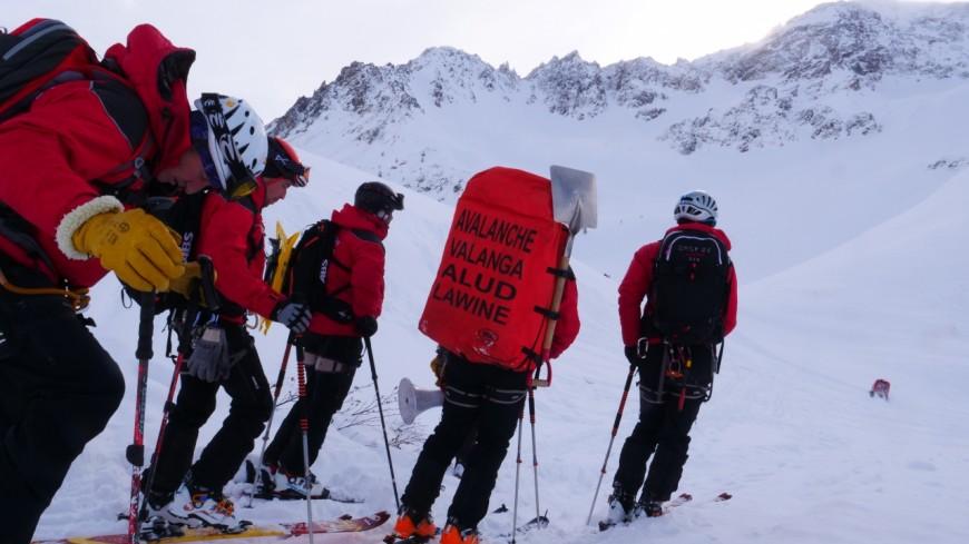 Hautes-Alpes : Lautaret, exercice avalanche pour les GMPS