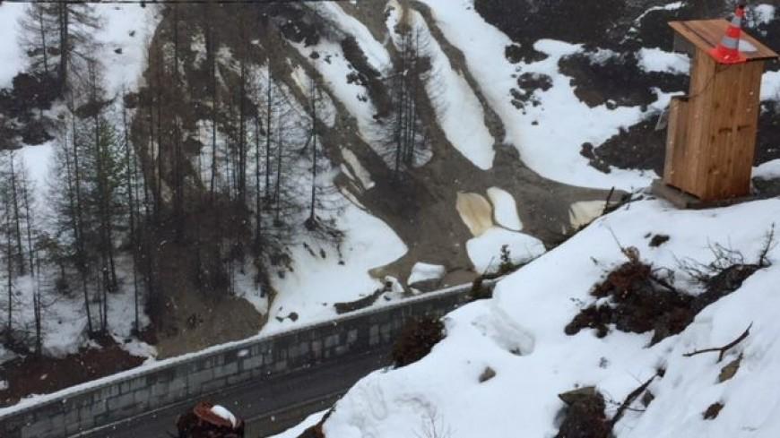 Hautes-Alpes : la RD 947 au Pas de l'Ours menace de s'effondrer