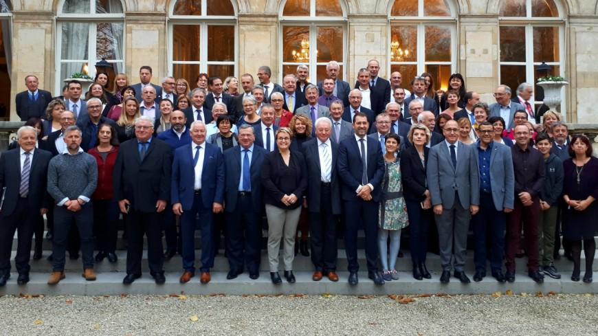Alpes de Haute-Provence : un petit déjeuner pour les maires chez Christophe Castaner