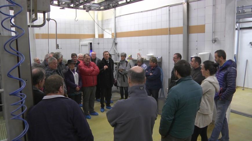 Hautes-Alpes : des éleveurs réunis pour faire vivre l'abattoir de Guillestre, un pari réussi