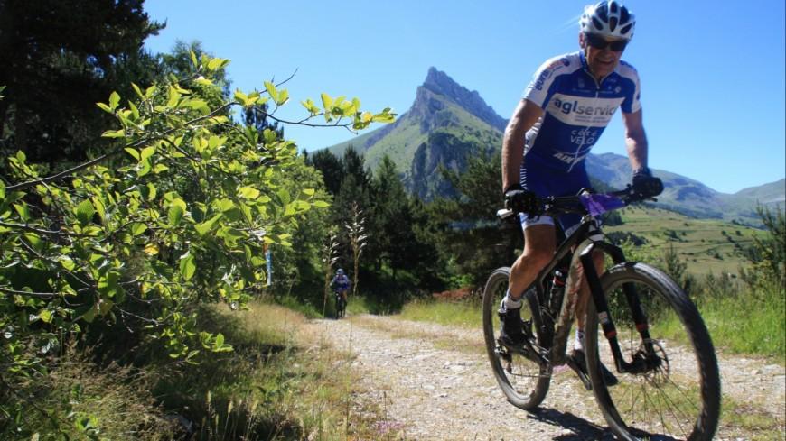 Hautes-Alpes : la Rando VTT Eterlou, la convivialité dans le sport