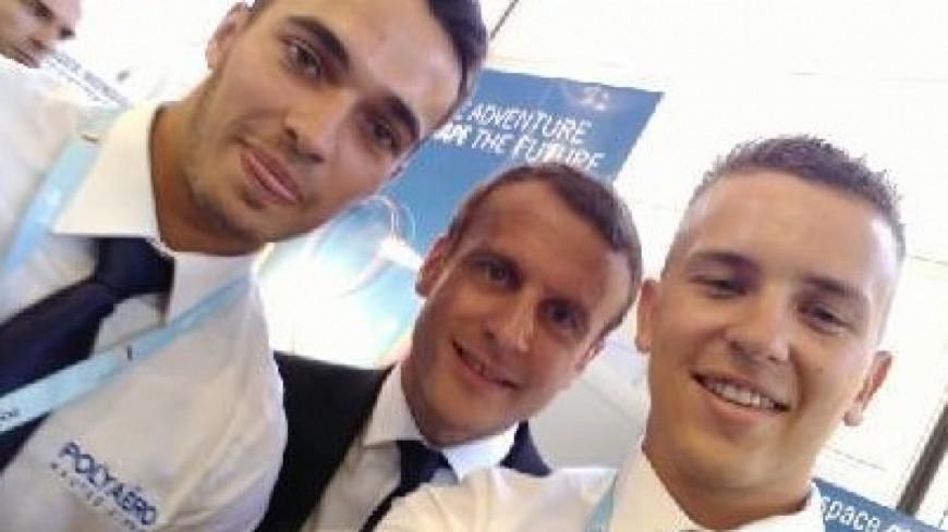 Hautes-Alpes : Emmanuel Macron sur le stand de Polyaéro au Bourget