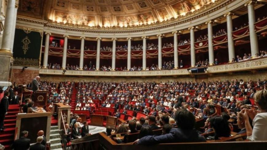 Alpes du Sud : réduction d'un tiers du nombre des parlementaires, E.Macron prêt à passer par référendum