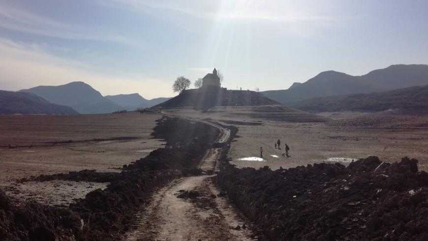Hautes-Alpes : face à l'érosion l'îlot de la Baie Saint-Michel en travaux